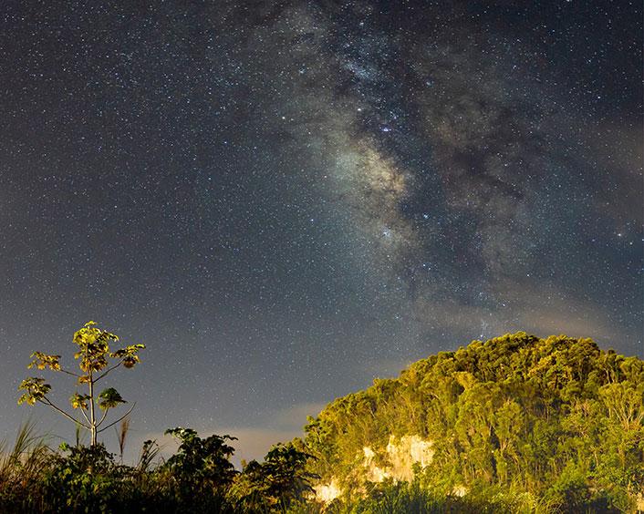 Night sky featuring Mars and Jupiter.